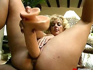 Old-school Big-titted Cougar Delves Her Snatch With Playful Frigs...